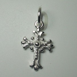 colgante cruz trebolada