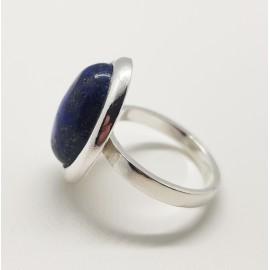 anillo oval piedra grande