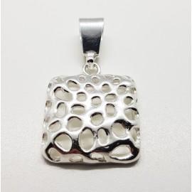 colgante de plata cuadrado agujereado