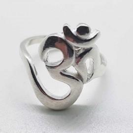 anillo om plata