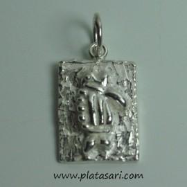 colgante de plata pez fosil