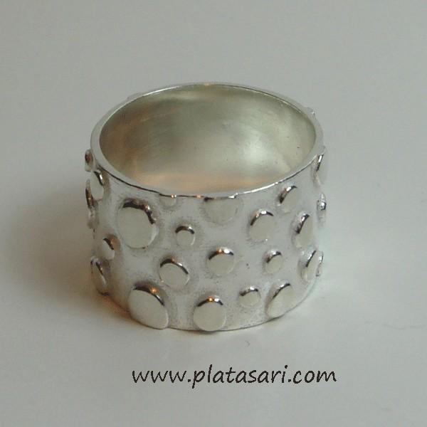 Anillo de plata diseño.
